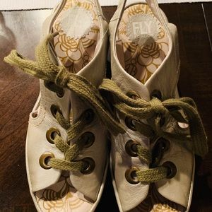 Fly London Yorl Leather Tie Sandals sz 39